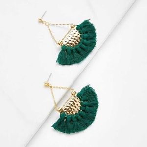 {Chained crescent fringed fan ear rings}